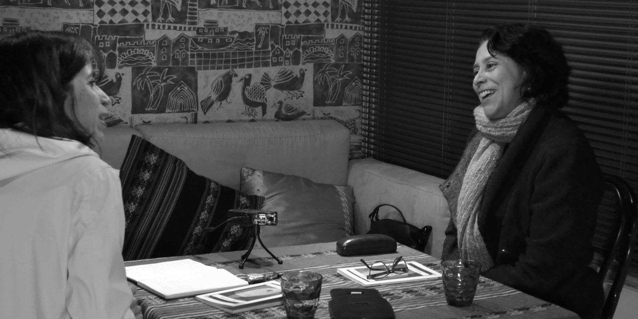 """Irma del Águila: """"En mis relatos hay una rebelión por el lenguaje escrito"""""""